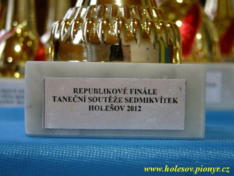 Sedmikvitek-tanec-2012-001