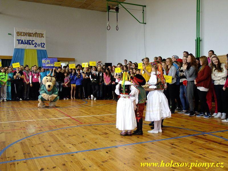 Sedmikvitek-tanec-2012-011
