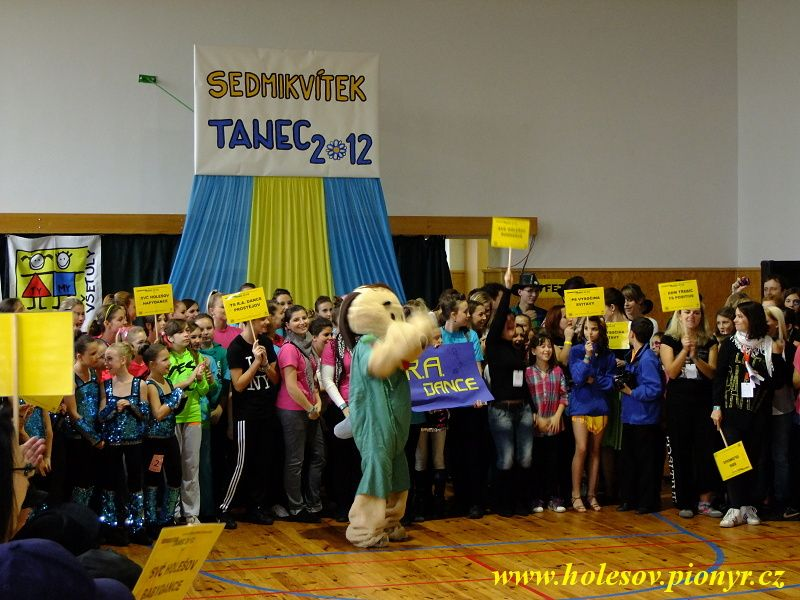 Sedmikvitek-tanec-2012-012
