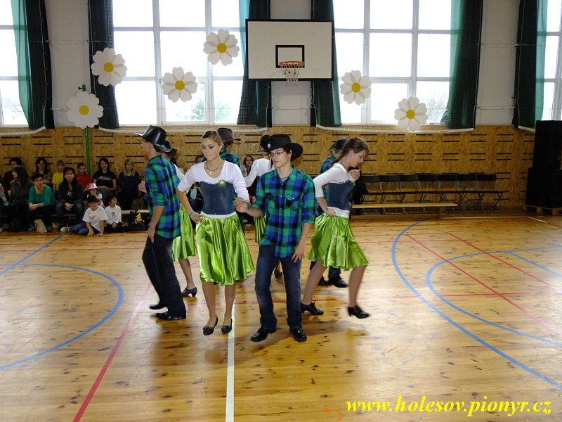 Sedmikvitek-tanec-2012-026