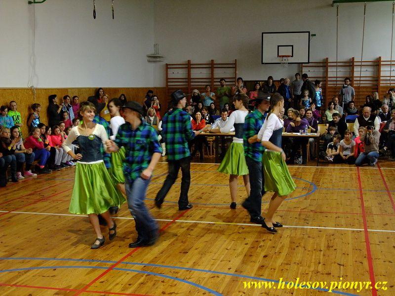 Sedmikvitek-tanec-2012-028