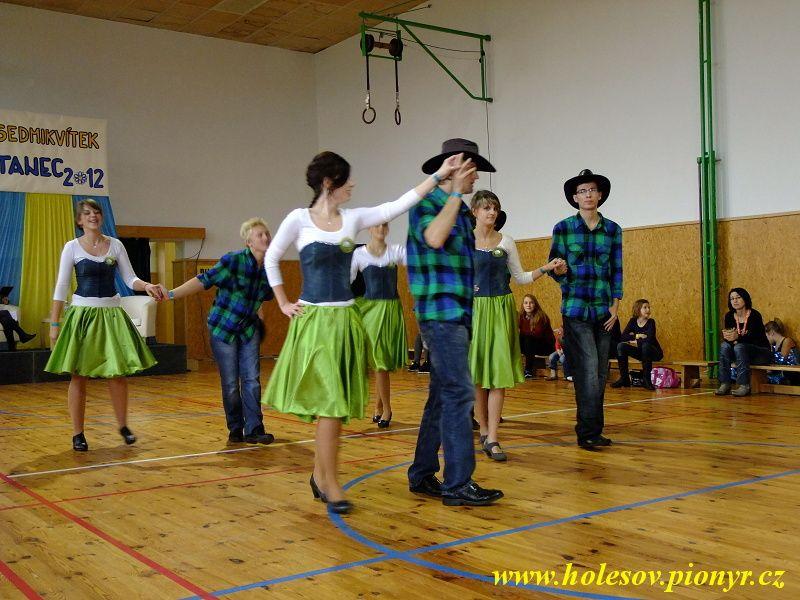 Sedmikvitek-tanec-2012-029