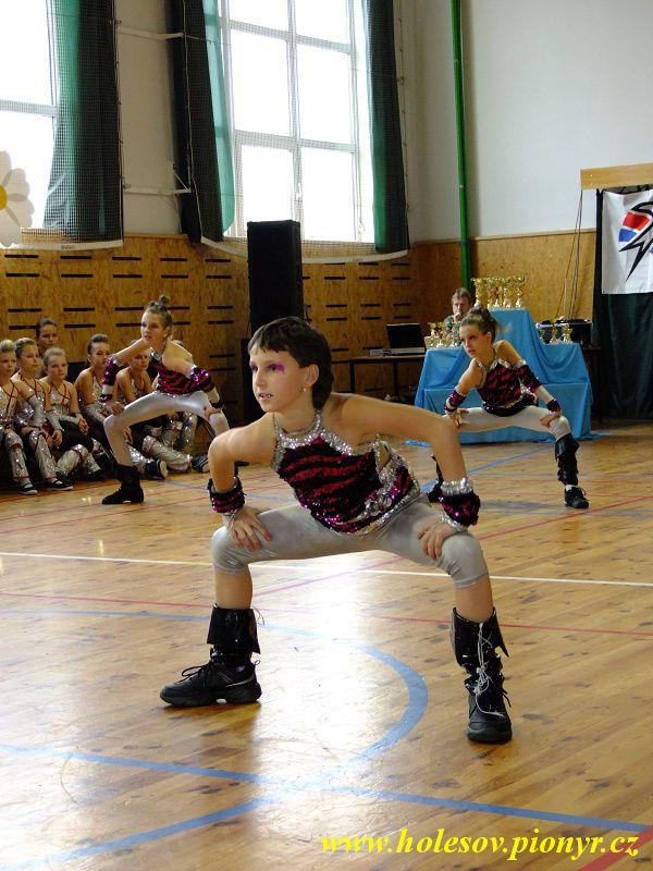 Sedmikvitek-tanec-2012-034