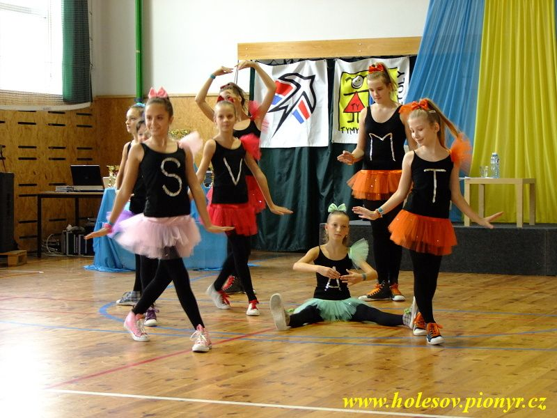 Sedmikvitek-tanec-2012-039