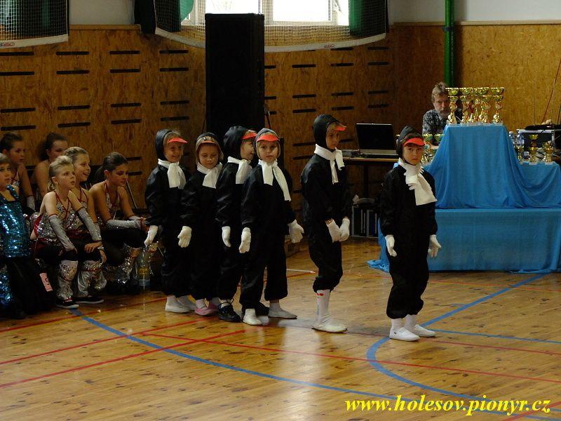 Sedmikvitek-tanec-2012-046