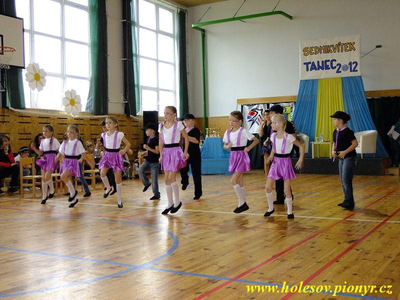 Sedmikvitek-tanec-2012-051