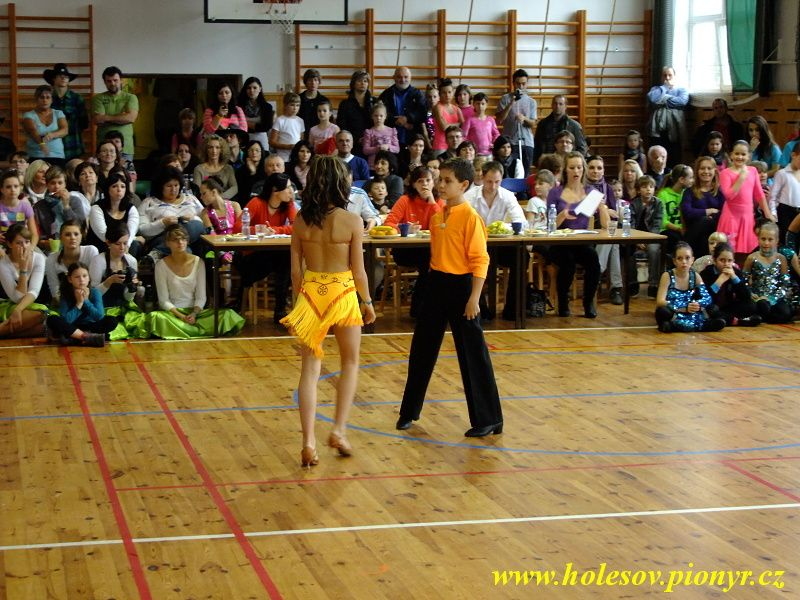 Sedmikvitek-tanec-2012-061