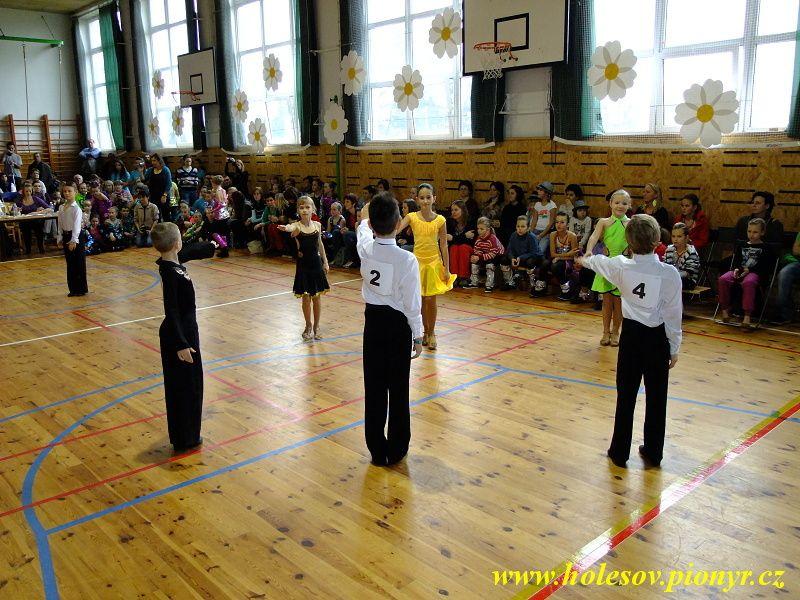 Sedmikvitek-tanec-2012-062