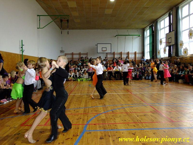 Sedmikvitek-tanec-2012-064