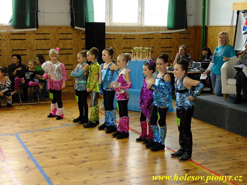 Sedmikvitek-tanec-2012-066