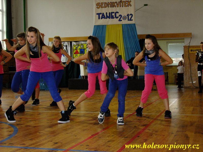 Sedmikvitek-tanec-2012-092