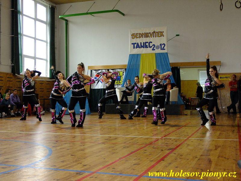 Sedmikvitek-tanec-2012-094