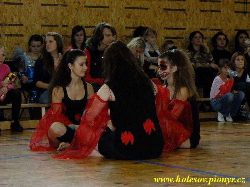 Sedmikvitek-tanec-2012-097