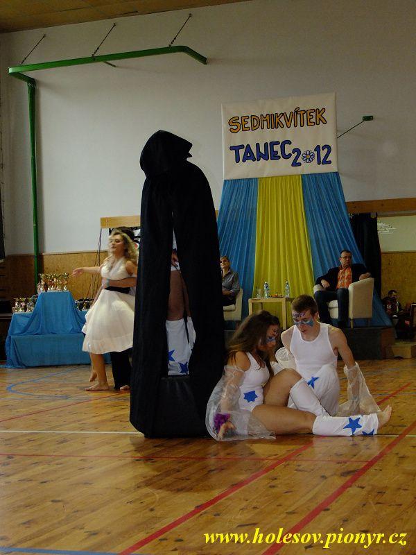 Sedmikvitek-tanec-2012-098