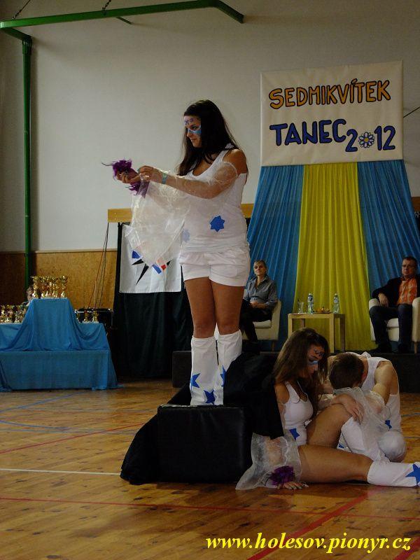 Sedmikvitek-tanec-2012-100