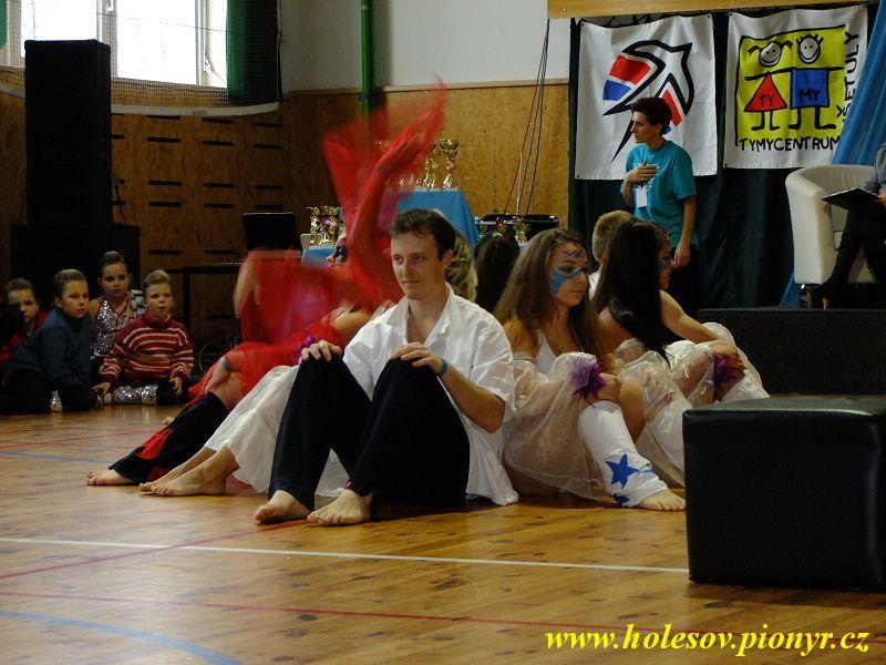 Sedmikvitek-tanec-2012-103