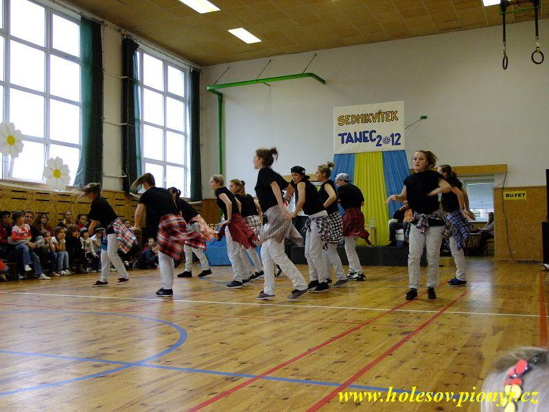 Sedmikvitek-tanec-2012-111
