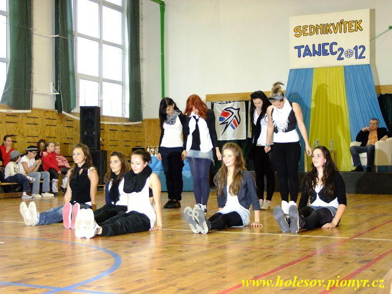 Sedmikvitek-tanec-2012-116