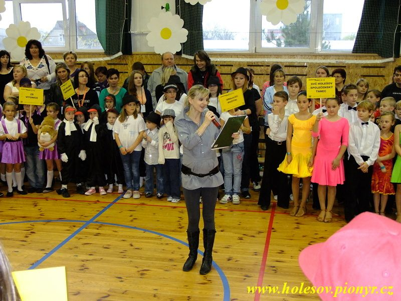 Sedmikvitek-tanec-2012-123