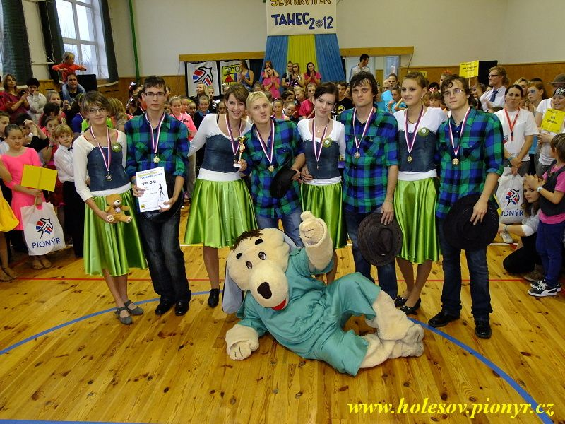 Sedmikvitek-tanec-2012-138