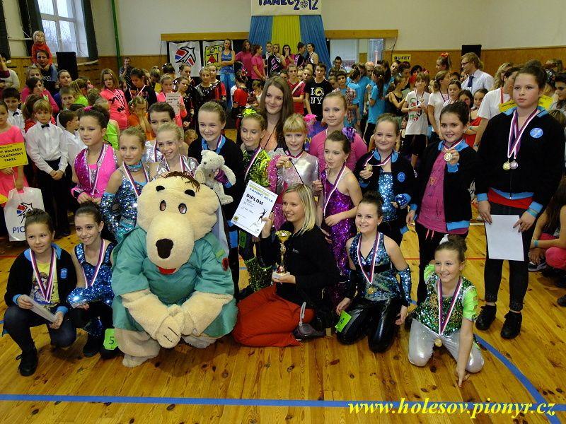 Sedmikvitek-tanec-2012-140