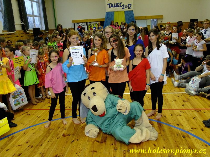 Sedmikvitek-tanec-2012-151