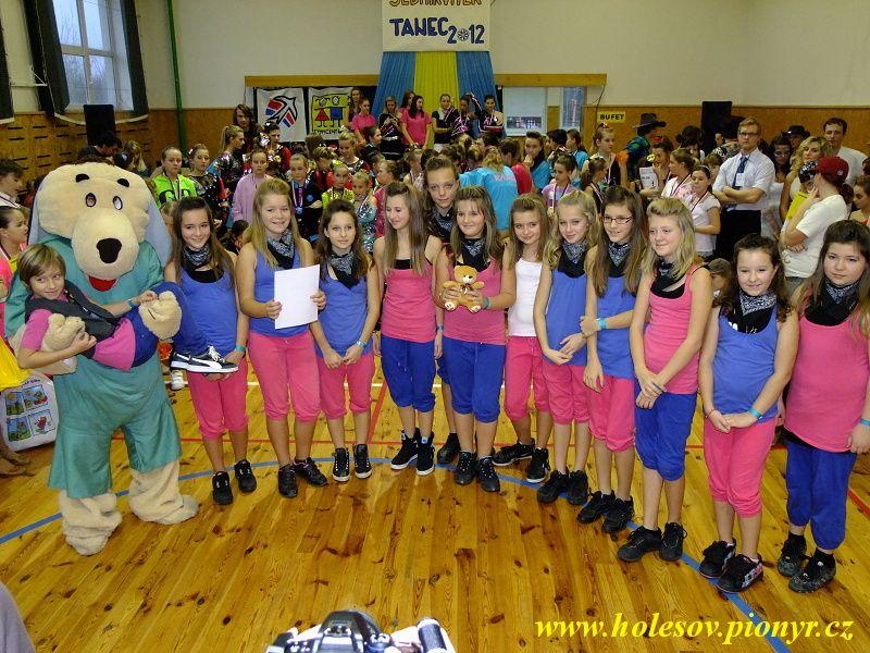 Sedmikvitek-tanec-2012-153
