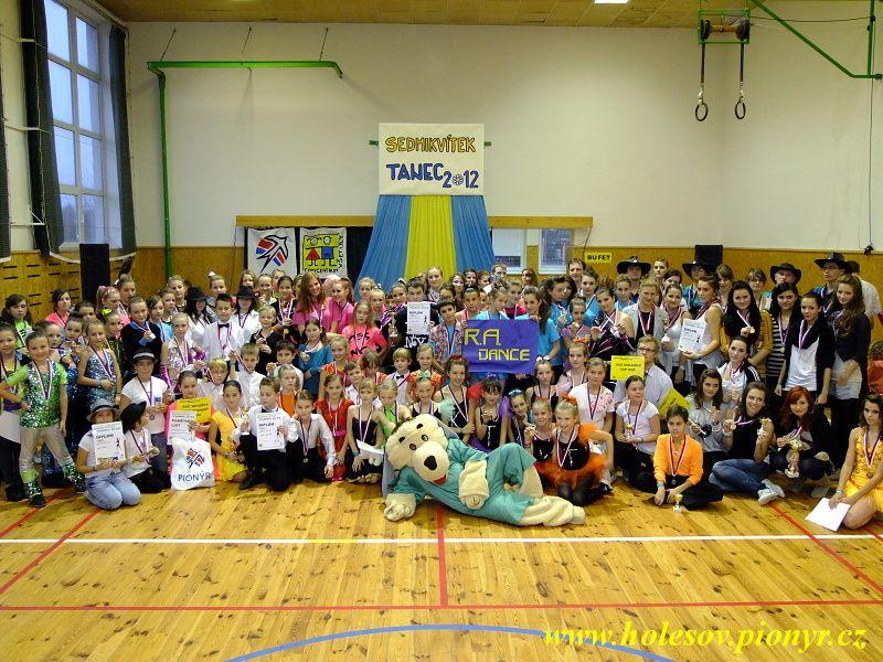 Sedmikvitek-tanec-2012-161