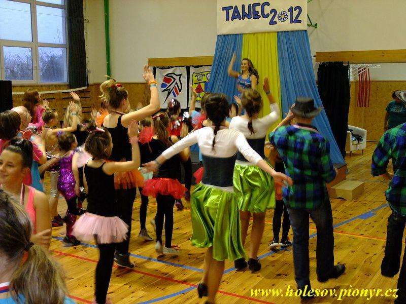 Sedmikvitek-tanec-2012-162
